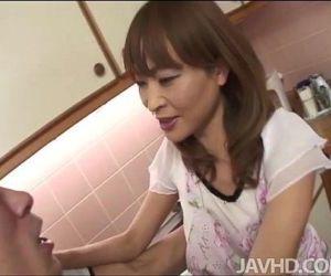Sweet Japanese honey Hikaru Wakabayashi with a pussy full..