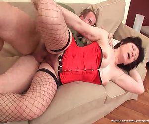 Slutty mature bitch enjoys hardcore sex