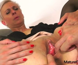 Sexy skinny mature woman hardcore pussy banging, fingering..