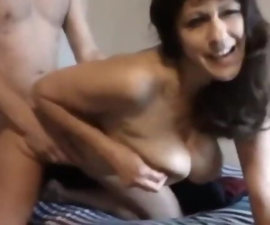 My best friends mature MOM likes when I fuck HER