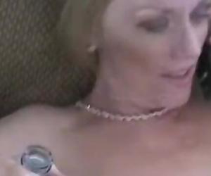 Free Premium Video Amateur Cumslut Melanie MILF