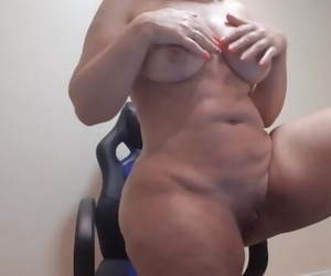 Flashing the Ass to a Friend on Skype /