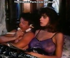 Christy Canyon, Bunny Bleu, Blondi in vintage sex scene