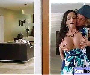 Busty Housewife (ariella ferrera) Love Intercorse In Front Of Camera mov-04 - 6 min