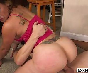 Damn Latina hot chick shakes butt and gets pussy pounded