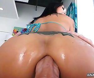 Smiley asian Saya Song enjoys anal pounding 6 min HD