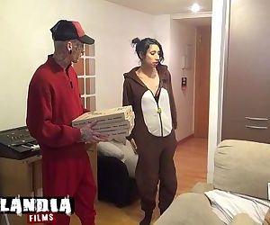 El pizzero, picha a domicilio.HD