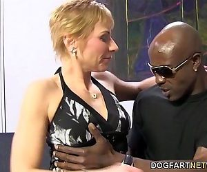 Hot cougar Gemma More Offers Anal Sex To Black ManHD