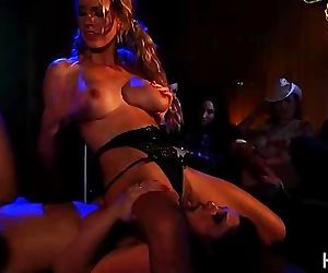 Strippers so hot they can\