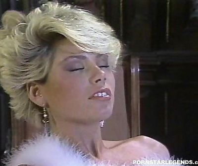 Gail Force fucked in classic porn sceneHD