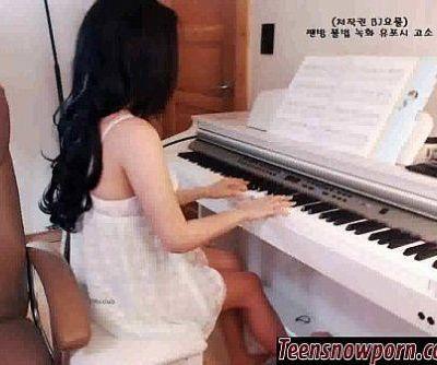 Teensnowporn.com - Hotgirl Korea - 1h 0 min