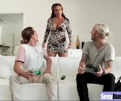 Housewife With Big Tits Enjoy Hardcore Sex mov-24
