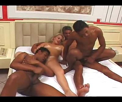 Bi Group Sex Club 4 - Scene 2