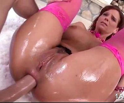 Syren De Mer enjoys anal pounding - 5 min
