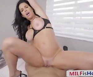 Beautiful MILF Puts On a Show For Her Step SonVeronica Avluv 8 min