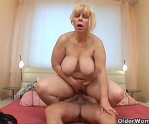 Anal loving grannies and milfs collectionHD