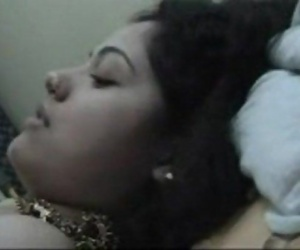 Desi hot couple - XVIDEOS.COM - 6 min