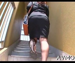 Tight bawdy cleft milf likes vibrators - 5 min