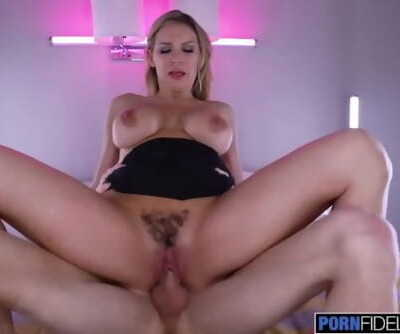 PORNFIDELITY Kenzie Taylor Meets Up With Her Lover