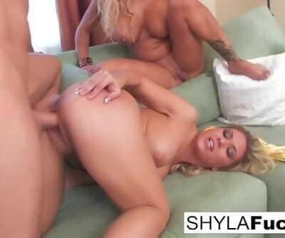 Sexy Shyla Stylez Surprises Her Boyfriend