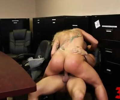 Ryan Conner Tattoed Mature Gets Fucked Hard