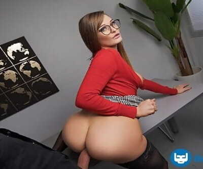 Slutty Professor Honour May Teaches U A Lesson in Discipline