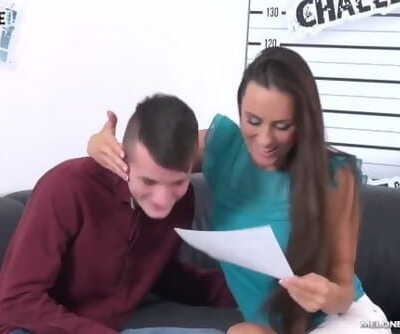 English Skinny Dude Pull out Big Cock from Mea Melones Ass & Cum on Pussy