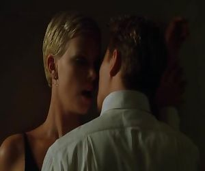 Charlize Theron -..