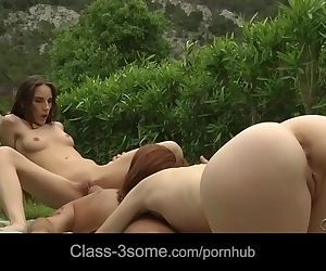 Tina Blade squirting in lustfully..