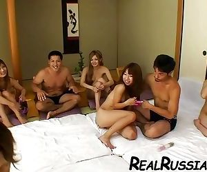 JAPANESE GROUP SEX !!