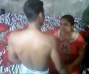 Desi Aunty Caught By Handy Camera..