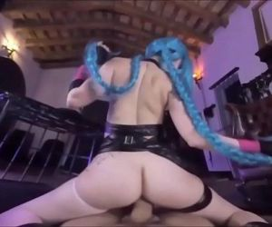 Hot Jinx Cosplay uses Super Mega..