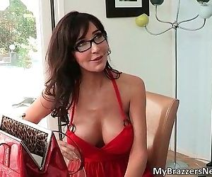 Sexy brunette MILF Diana Prince -..