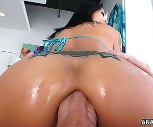 Smiley asian Saya Song enjoys anal pounding 6 min HD