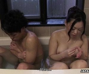 Couple has a bath together with a huge boner in it - 7 min HD+