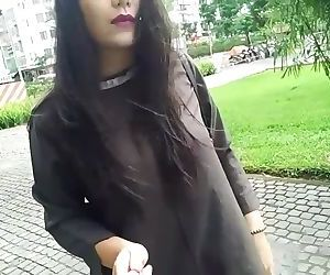Babe Masturbate In The Park - part 1