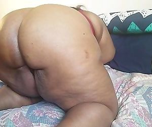 WATCH THIS EBONY MILF AS SHE THROWS HER BIG ASS ALL OVER HIS BLACK BBC 10 min 1080p