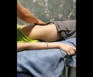 【私处保健直播】上面卫生检查停播了几天迎来个年轻苗条少fu【1V461MB】