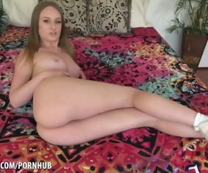 Daisy Stone shows off her banging body
