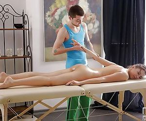 Jordan leaves horny masseur to rub her pussy and fuck her..