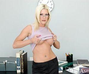 Gorgeous MILF teacher in glasses lauren Kain got her wet..
