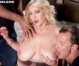 BBW cougar Tahnee Taylor gets mouth and pussy crushed up..