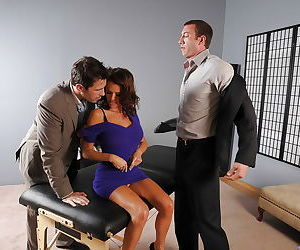 Hot MILF Veronica Avluv gets nailed hardcore by two huge..