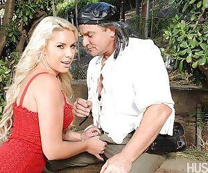 Busty blonde pornstar Cherry Morgan taking internal..