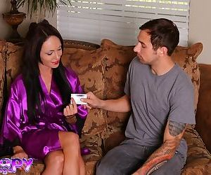 Brunette masseuse Chyna Bella makes bath time fun with..