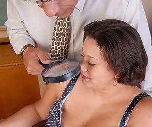 Horny bald guy stuffs his hard boner inside mature BBW..