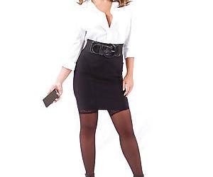 Stocking and skirt adorned babe Layla London unveiling..