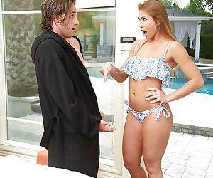 Naughty cougar Rita Rush gives a masterful blowjob and..