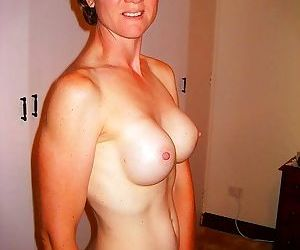 Amateur mature women - part 1692