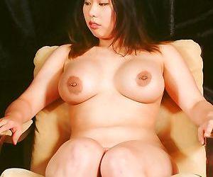 Japanese sadomasochist pussy spanking of tigerr benson -..